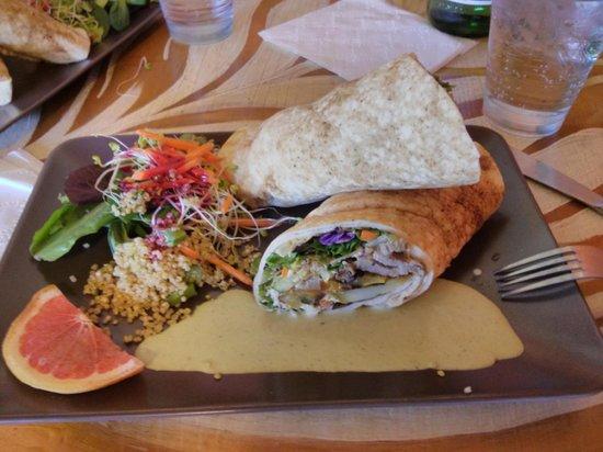 Good Mood Food Cafe: Lamb gyros!