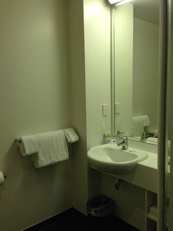 Scenic Hotel Dunedin City : Vanity area