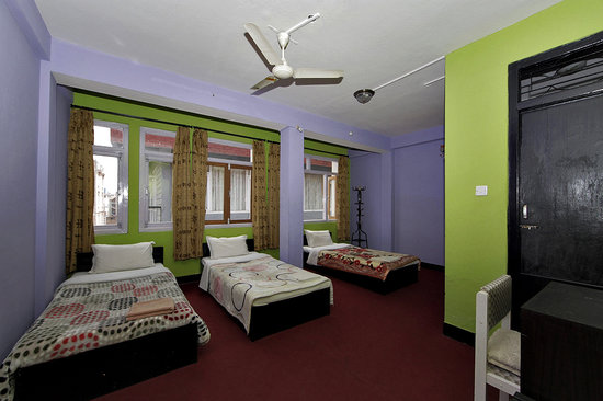 Hotel Silver Home: Triple Bed Room