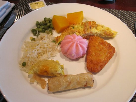 Le Meridien Kota Kinabalu: Some of the foods we tasted from the buffet breakfast