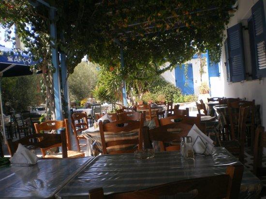 Pension Argo Restaurant: argo restaurant in summer, cool and relaxed