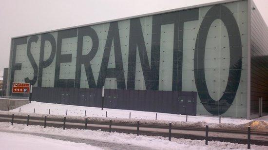Hotel Esperanto: lato