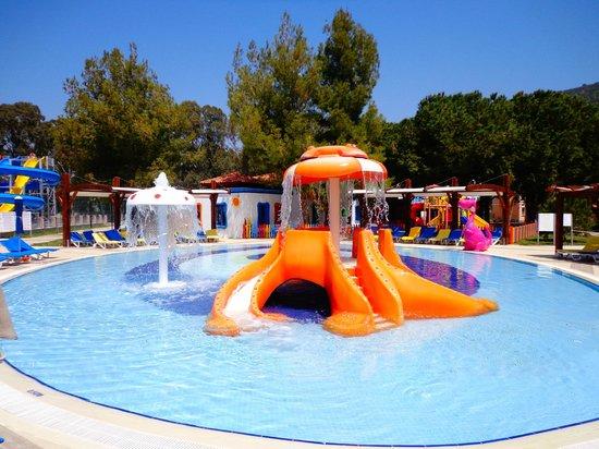 Kustur Club Holiday Village: Children Pool