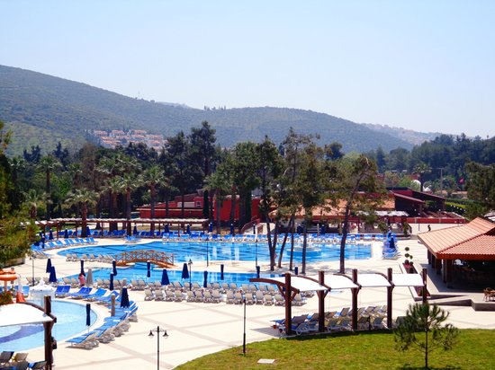 Kustur Club Holiday Village: Pool area ,view from slides