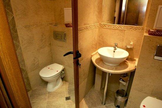 Hotel Solo: Bath 6