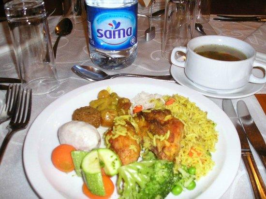 Toledo Amman Hotel: hotel dinner buffet