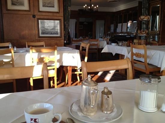 Hotel Rebstock Laufenburg: Gastraum mit Super Frühstückskaffee!!!