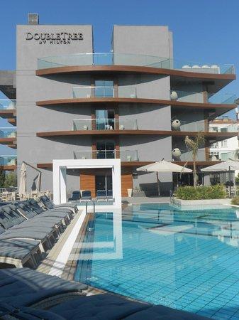 DoubleTree by Hilton Hotel Kusadasi: otel genel görünüm