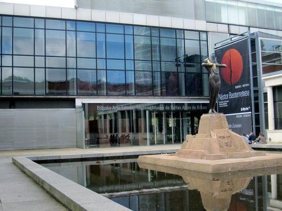 Entrance to Bilbao Fine Arts Museum