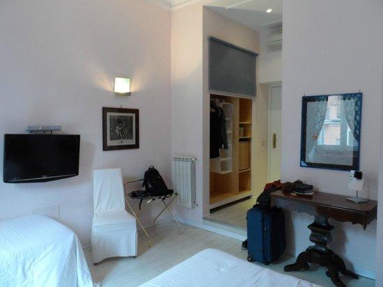 66 Imperial Inn: Our room