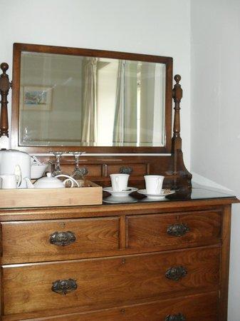 The Langbury: Beautiful dressing table.