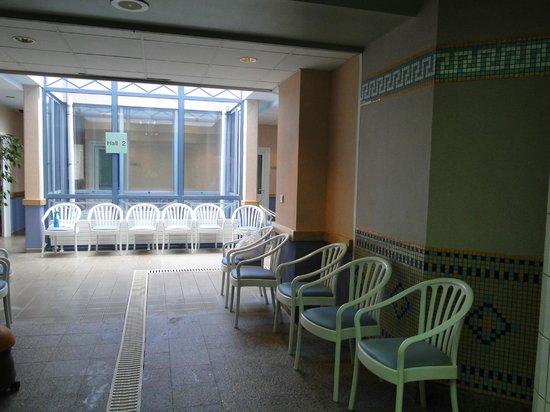 Résidence Neptunia : Vue du centre de thalassothérapie, situé juste en dessous de la résidence