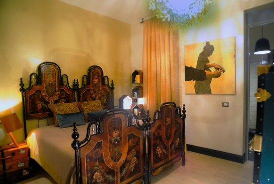 RossoSegnale B&B: Giallo900 room