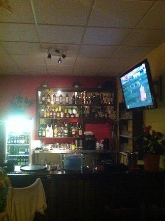 TJs Caribbean Tapas Bar : fab selection of drinks