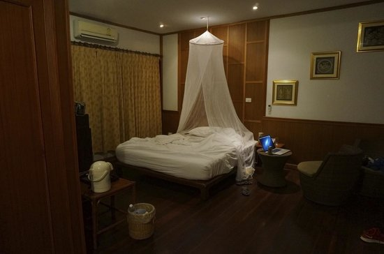 Phi Phi Natural Resort: room