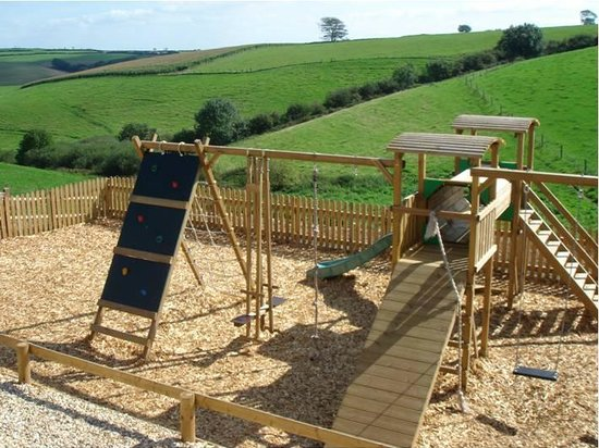 North Lee Farm Holiday Cottages: Childrens Play Area