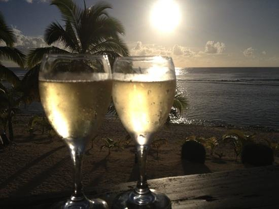 The Edgewater Resort & Spa: Cheers Raro for the most amazing birthday...
