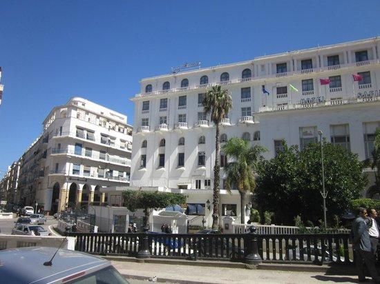 Safir hotel alger alg rie voir les tarifs 24 avis et for Les prix des hotel