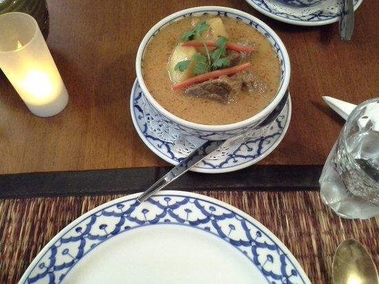 Cha Ba thai spicy: Massaman Beef curry
