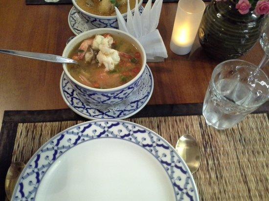 Cha Ba thai spicy: Tom yum goong soup
