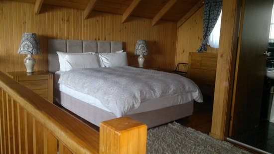 The Polish Place Chalets: The bedroom in the loft