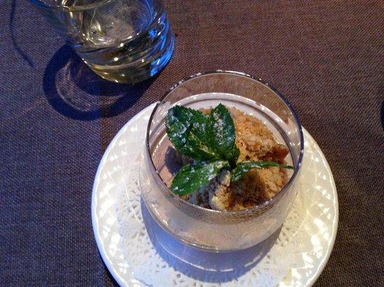 Au Petit Patio : Pannacotta fraise avec son crumble