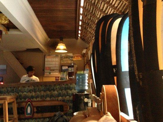 Surf Cafe: Серф Школа в Куте