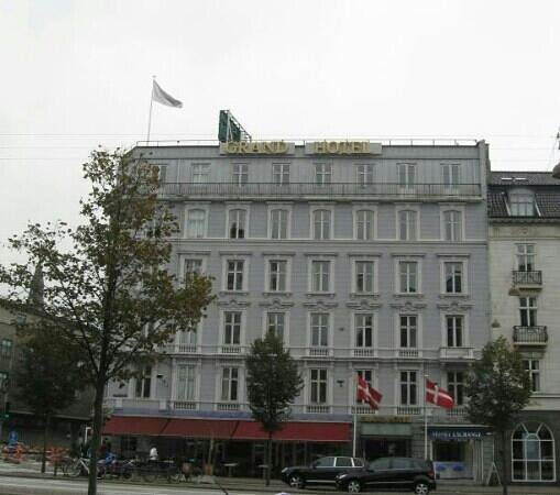 Grand Hotel: Hotel exterior - Sept 2010