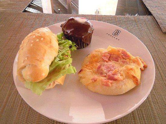 Pousada Bora Bora: café da manha