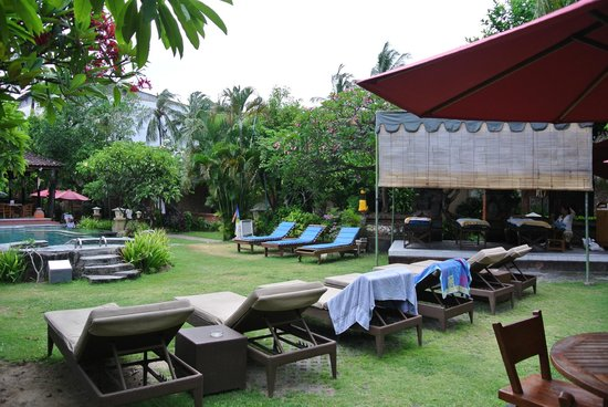 Ida Hotel: Pool and spa pagoda