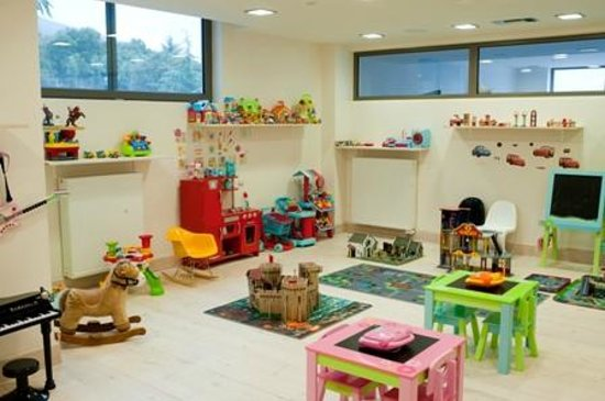 Seleni Suites Boutique Deluxe Hotel: Playroom