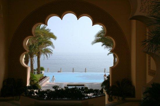 Shangri La Barr Al Jissah Resort & Spa-Al Husn: patio
