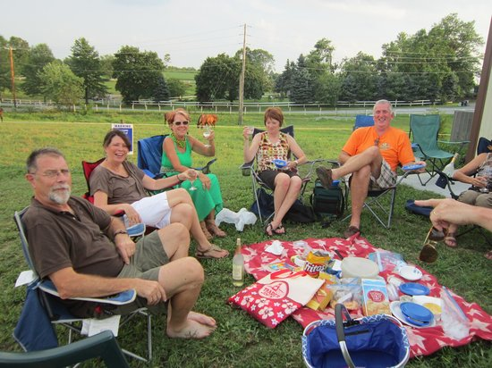 Cassel Vineyards of Hershey: Our 1st and 3d Friday night Live Jazz in June, July and August are popular events!