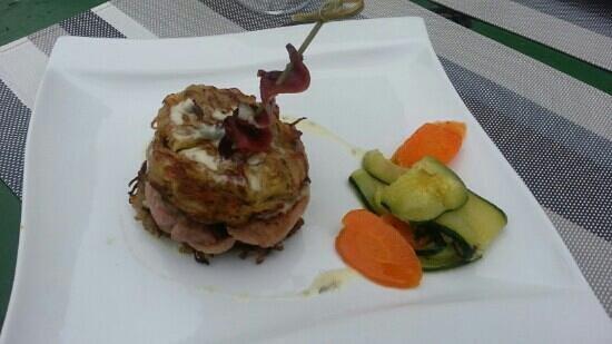 Mandelieu-la-Napoule, Frankrike: tournedos de canard en hamburger