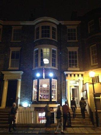 Lazenby's on York Place : Lazenbys at night !