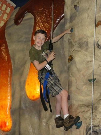 Metropolis Resort: Rock climbing in Action City!