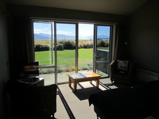 Dunluce Bed and Breakfast : Terrace and view from room