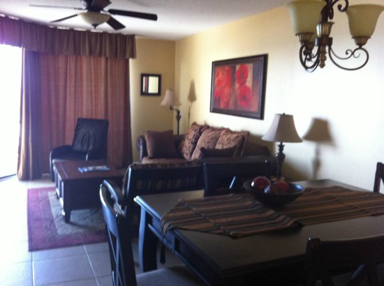 Phoenix Condominiums : Our room was perfect; the view of the ocean was great.