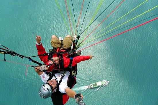 AlpinAir Paragliding Tandem Flight   Lake Thun
