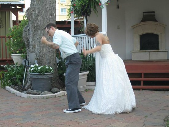 Clipper House Inn: Dancing with my hubby