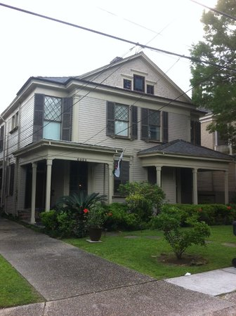 Audubon Park House Bed & Breakfast: Front of house