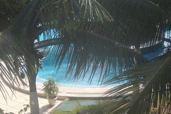 Atlantico Buzios Hotel: vista da piscina desde o apartamento