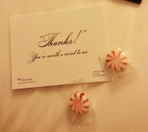 Hotel 373 Fifth Avenue: Mints on the pillow every night