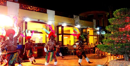 Panorama Bungalows Resort El Gouna : One of many entertainment evenings