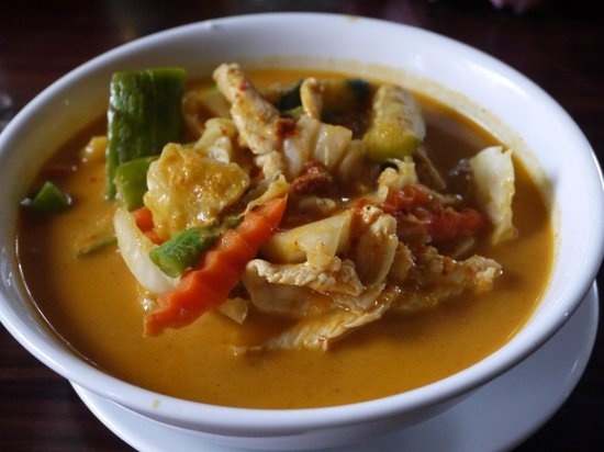Again and Again: Red coconut curry with chicken