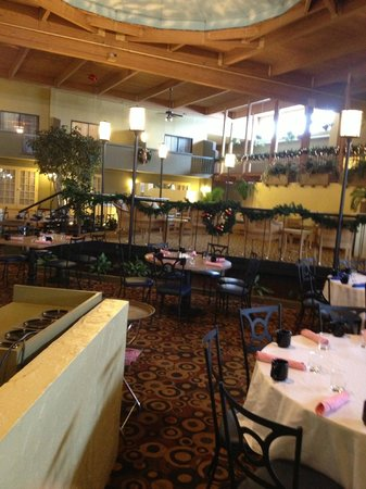 Holiday Inn Mansfield-Foxboro Area: Dinning area.