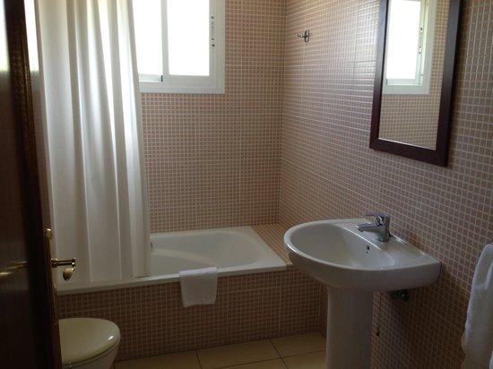 Apartamentos Realejos Residencial: bathroom