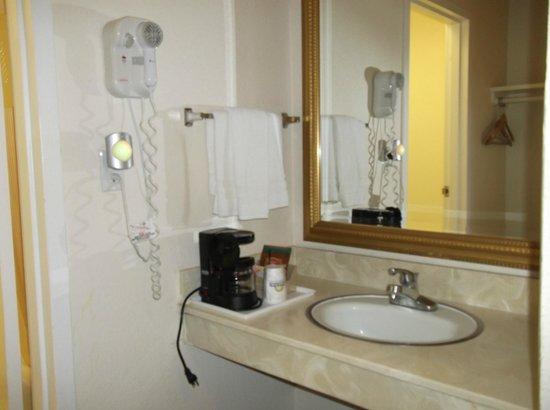Days Inn Modesto: La salle de bains séparée des WC