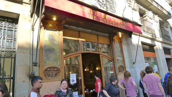 outside of Cafe de L'Opera