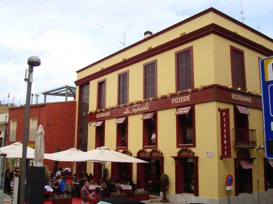 La Tagliatella Figueres: Фасад